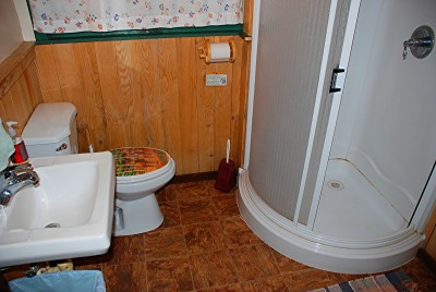 lodge_bathroom2011[1]