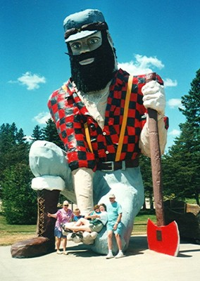 Photo op in Akeley, MN with biggest Paul Bunyan statue in the world